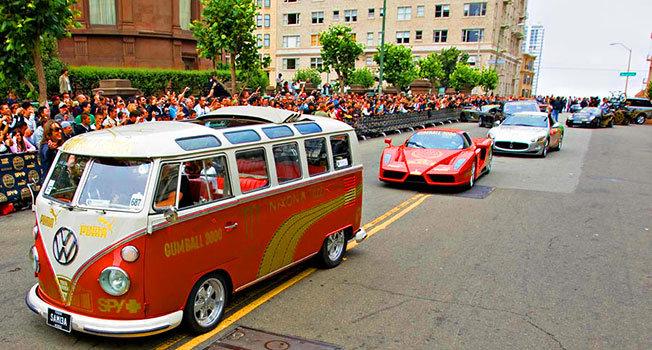 Dünyanın En Lüks Otomobilleri Tek Yarışta - Gumball 3000 - 5